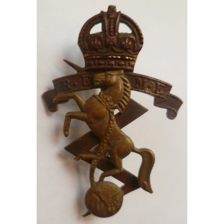 Royal Electrical Mechanical Engineers Cap Badge REME 2nd pattern