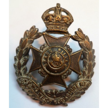 8th Battalion (Prince Of Wales Own) West Yorkshire Regiment Leeds Rifles Cap Badge